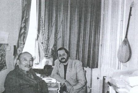 Körmendi Lajos író a kazak Ötemiszuli Szalamat festővel, 1996
