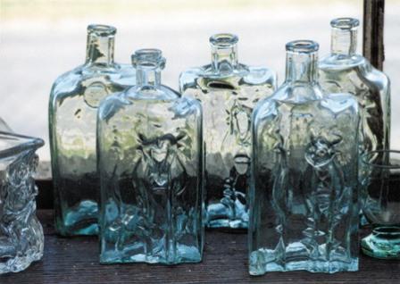 Bardibukk_Glass_Munkak_PattantyusGergely_Pincetok_palackok_1999