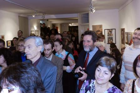 Várnegyed Galéria megnyitó közönsége